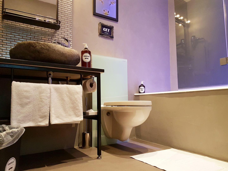 Zimmer hotel kirchplatz for Bathroom remodel under 2000